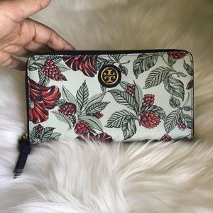 Tory Burch Kerrington Zip Around Wallet